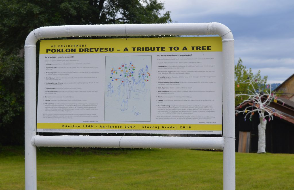 Infoboard beside the tree